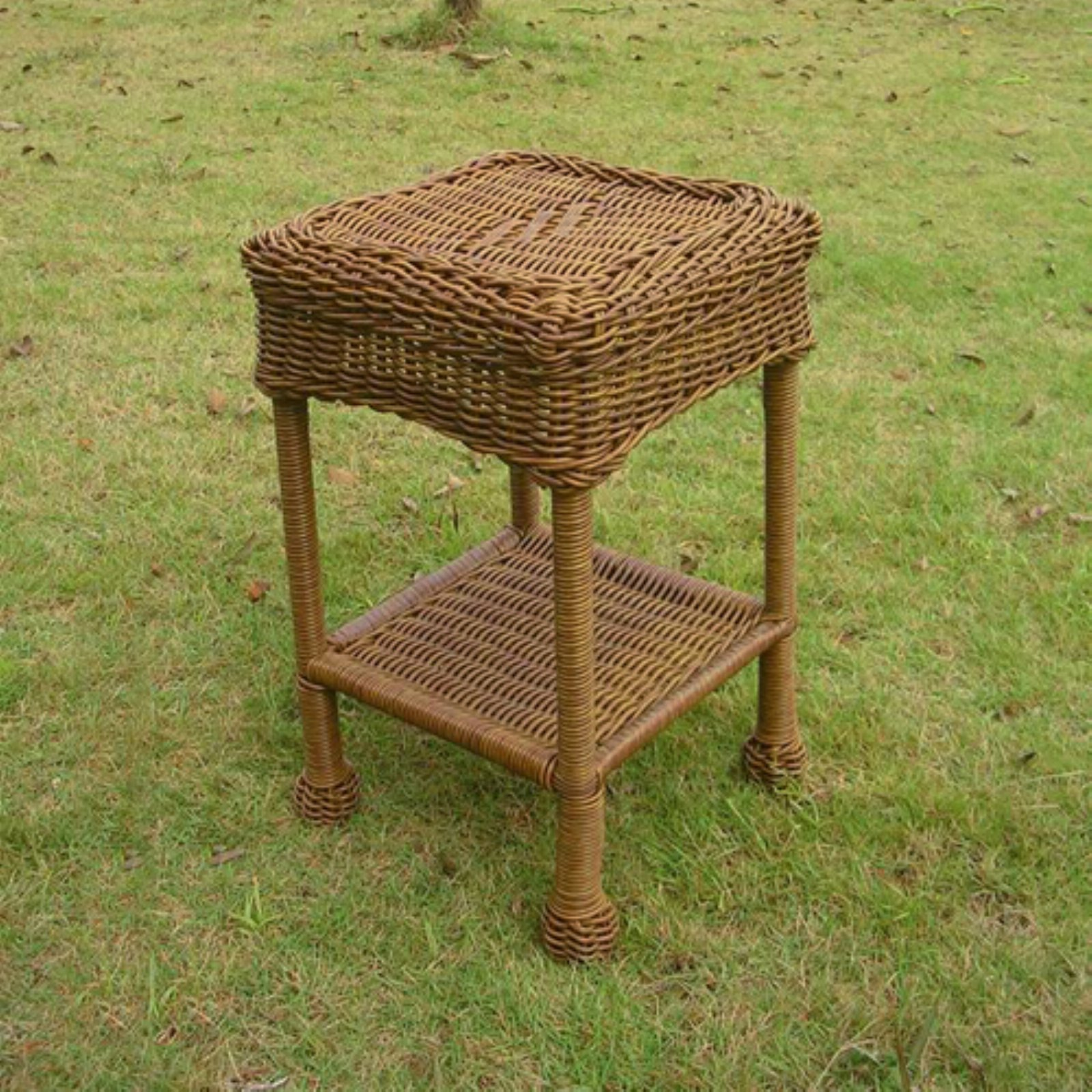 International Caravan Madison Wicker Resin 2-Tier Patio Side Table
