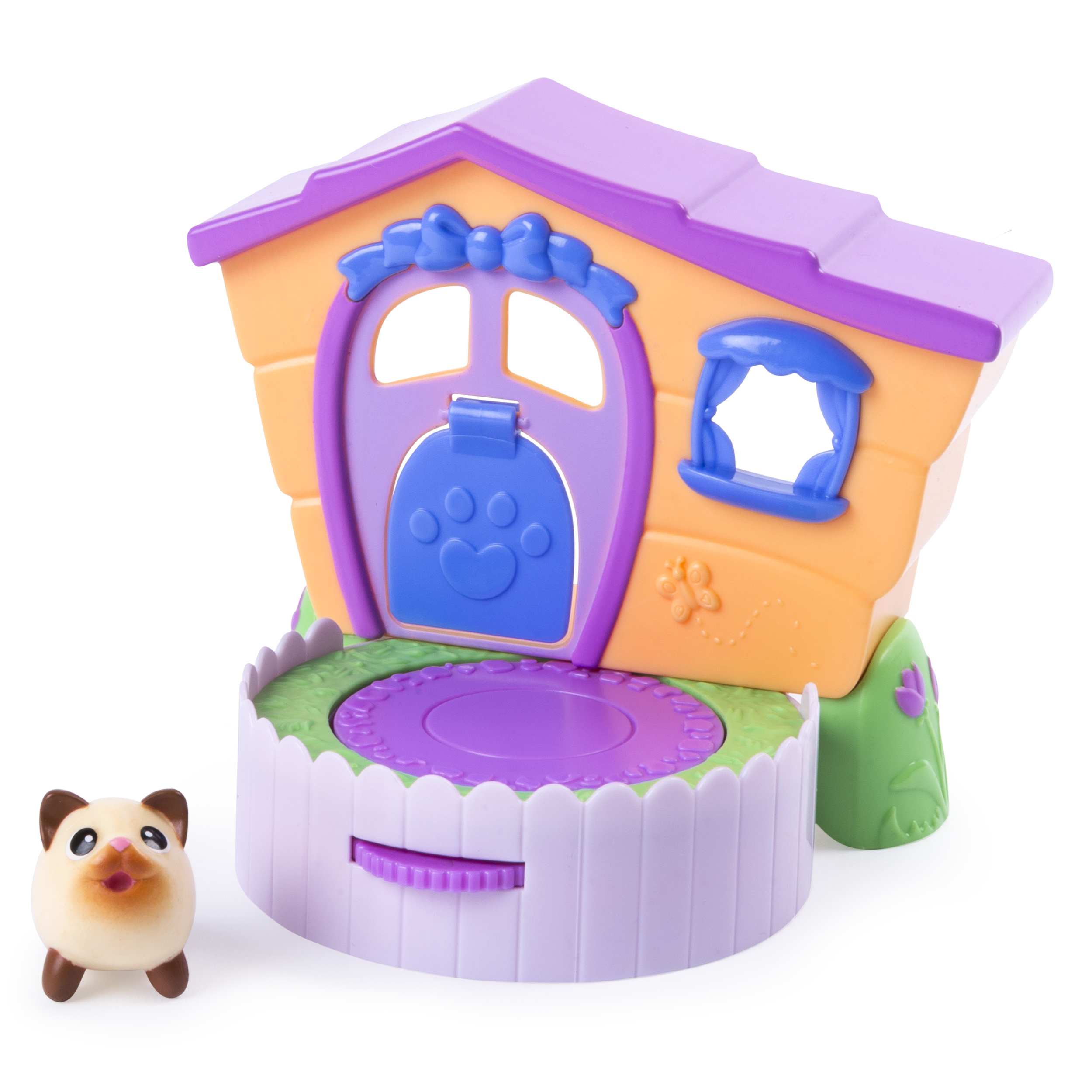 <p>Chubby Puppies & Friends – 2-in 1 Flip N' Play House Playset with Siamese Kitty Collectible Figure</p>