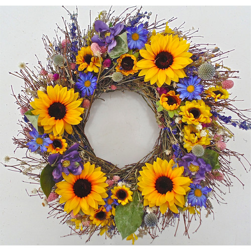 Dried Flowers and Wreaths LLC 22'' Sunflower Bouquet Wreath