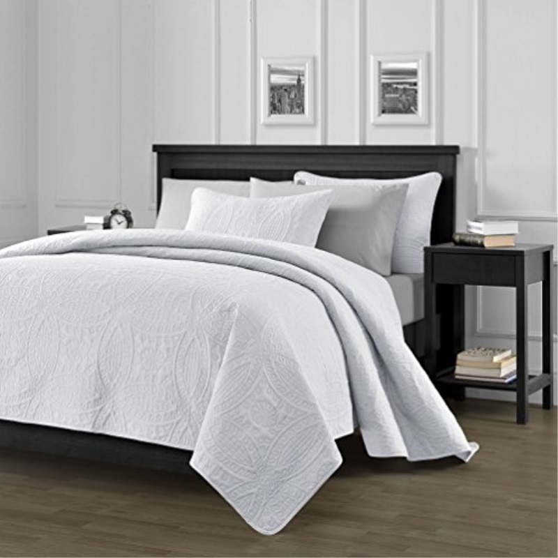 "Chezmoi Collection 3 Piece 118 by 106"" Austin Oversized Bedspread Coverlet Set, King, White"