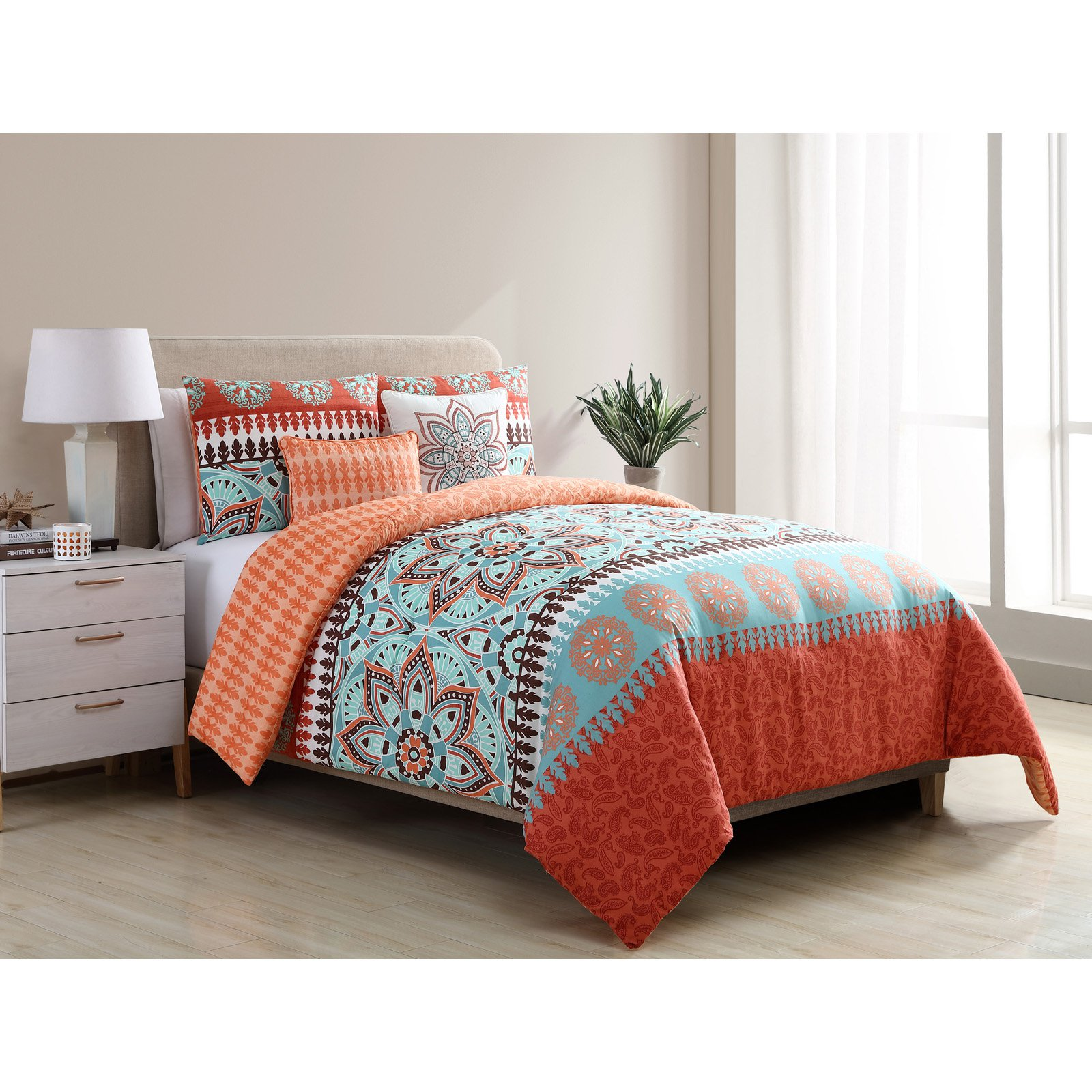 VCNY Home Multicolor Ezra Geometric Medallion 4/5 Piece Reversible Bedding Comforter Set, Shams and Decorative Pillows Included