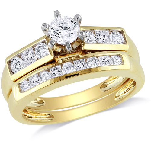 1 Carat T.W. Round and Princess-Cut Diamond Bridal Set in 14kt Yellow Gold