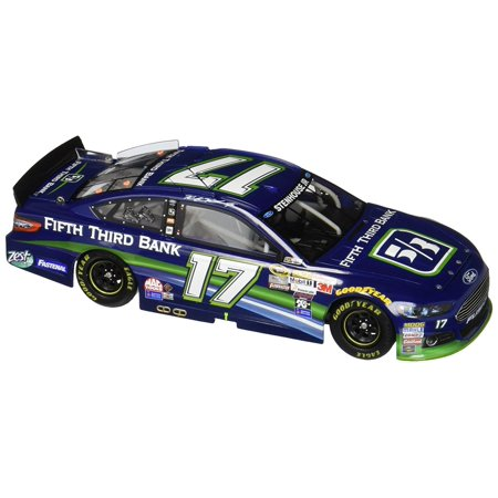 Lionel Racing Rickie Stenhouse Jr   17 Fifth Third Bank 2015 Ford Fusion 1 24 Scale Die Cast Car