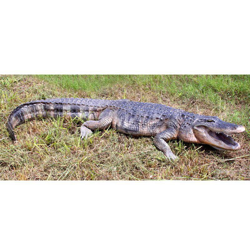 Design Toscano Stalking Swamp Predator Alligator Garden Statue by Garden Statues