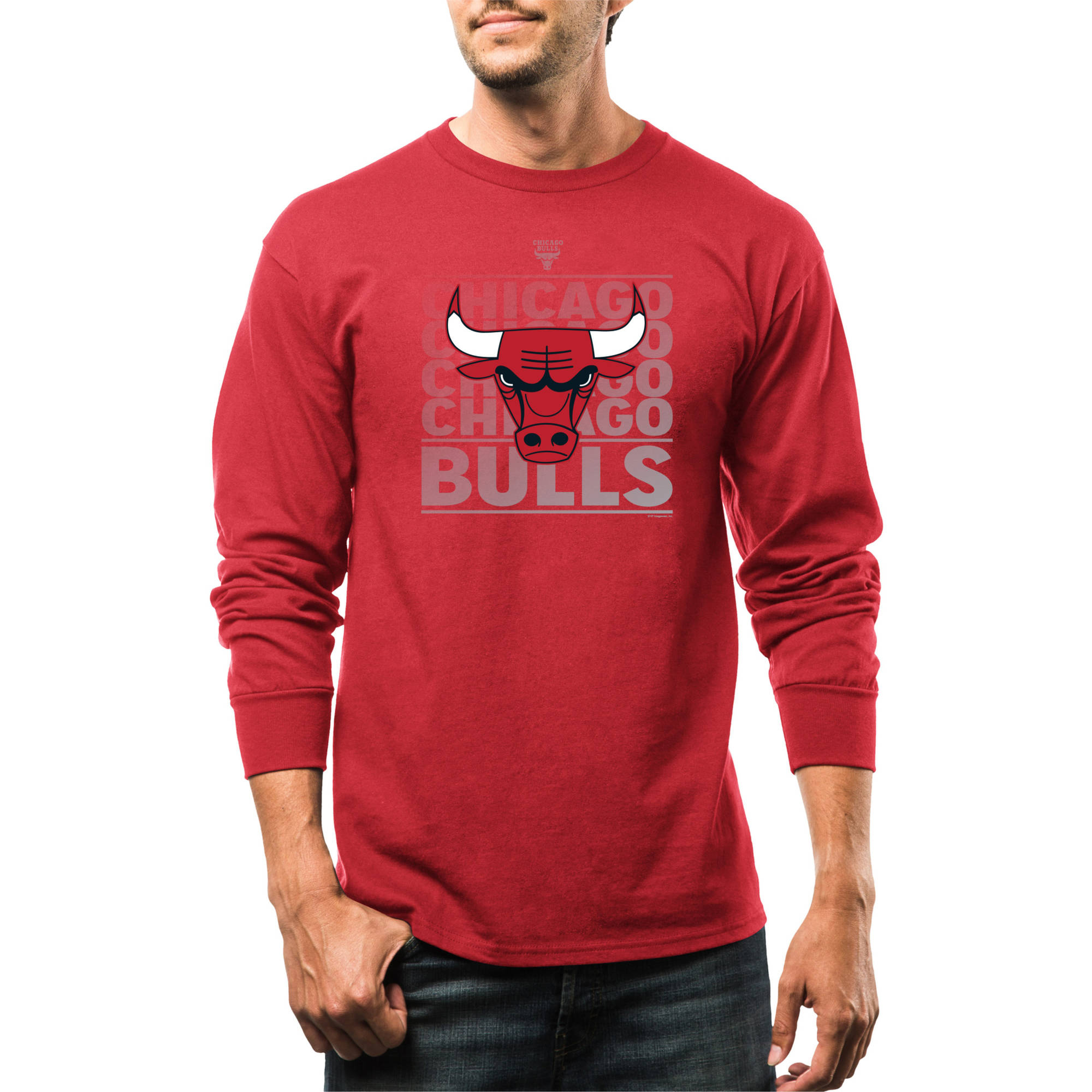 NBA Chicago Bulls Men's Movin Up Long Sleeve Crew Neck Basic Tee