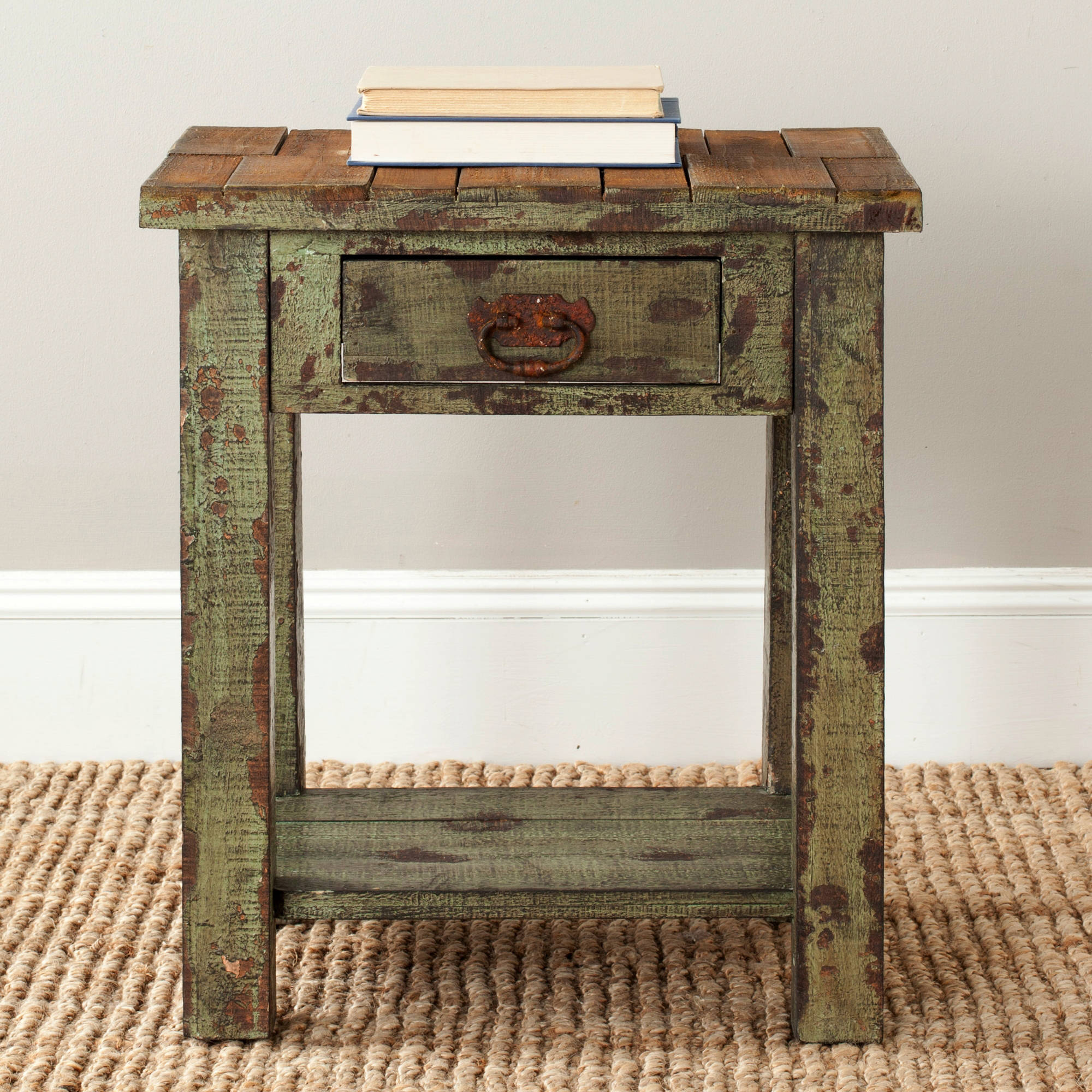 Safavieh Alfred End Table, Antique Green