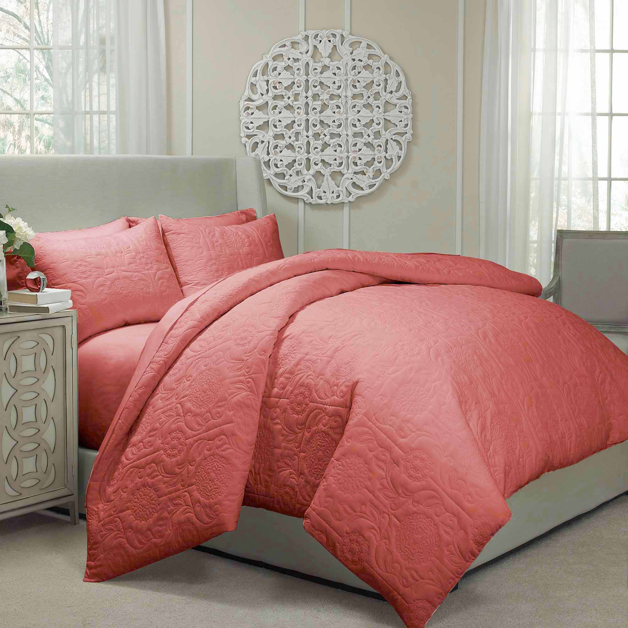 Vue Barcelona Quilted Coverlet And