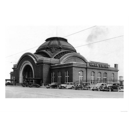 Exterior View of Union Station - Tacoma, WA Print Wall Art By Lantern -