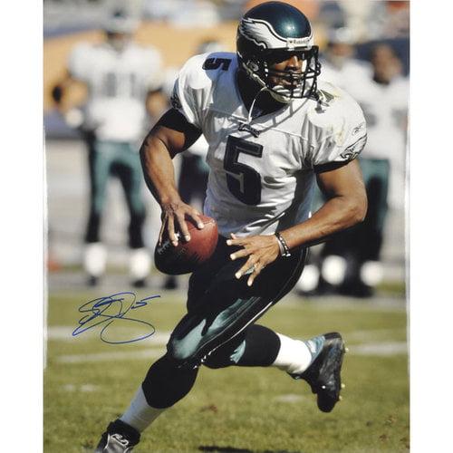 NFL - Donovan Mc Nabb Philadelphia Eagles Autographed 16x20 Photograph