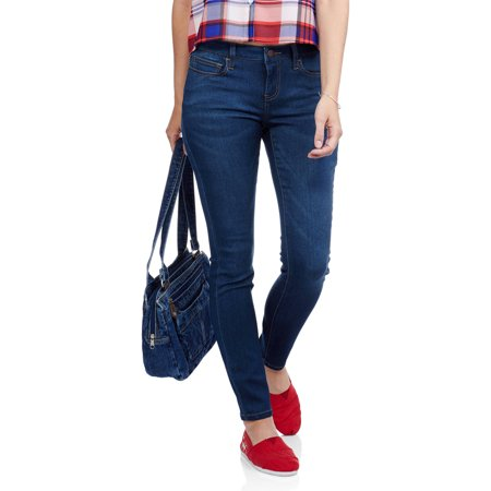 Find Your Perfect Jean Fit! Check out these tips for finding the best pair of jeans for your body type!