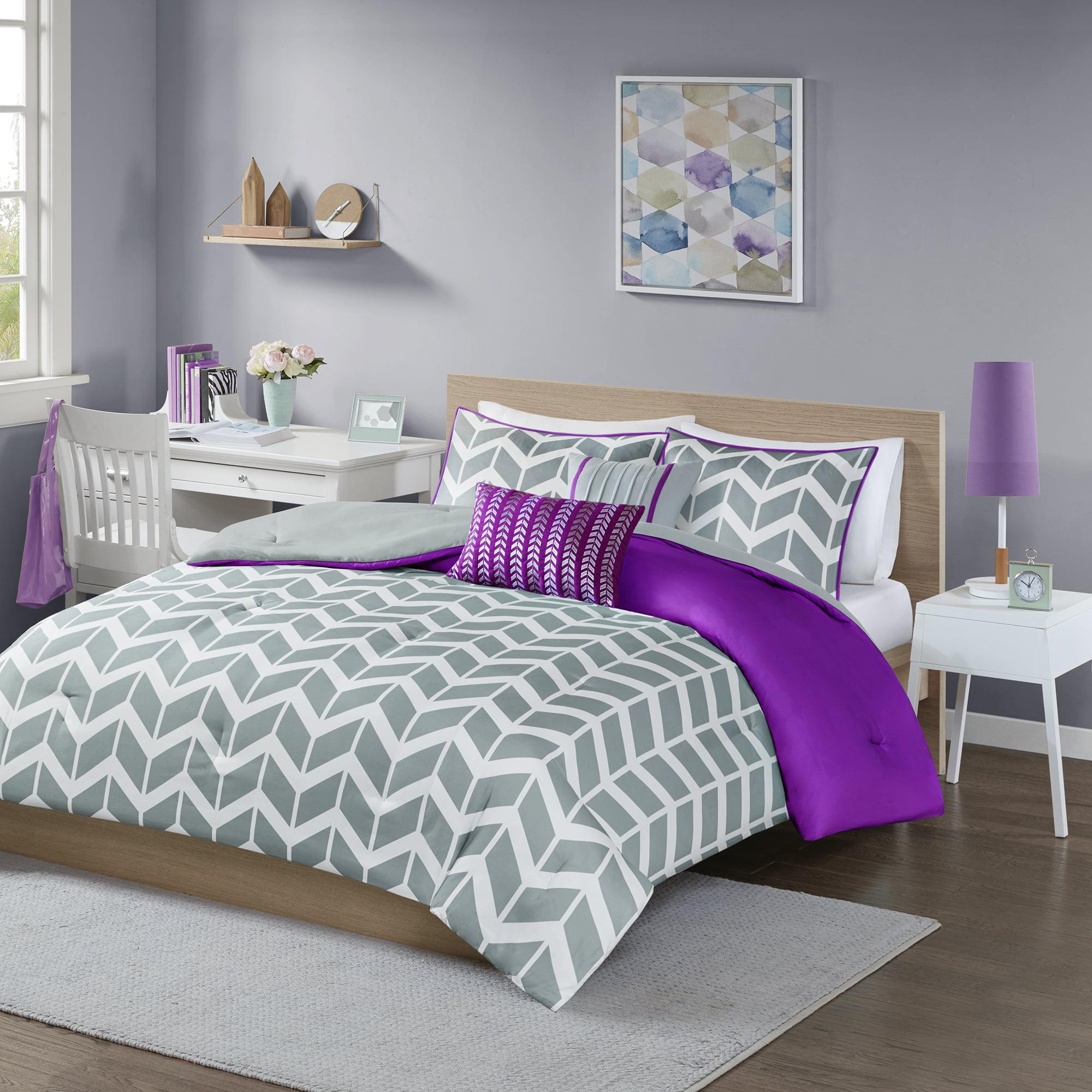 4-Piece Luxury Comforter Set in Gray Chevron, Twin