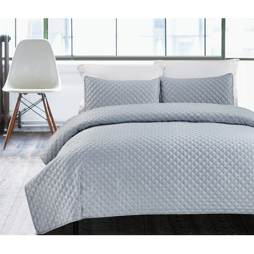 Luxury Hotel Collection 3-Piece Bedding Coverlet Set, Hotel Diamond King Size Lightweight Quilted Bedspreads, Silver
