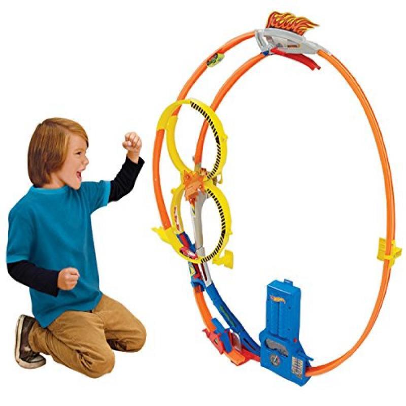 Hot Wheels Super Loop Chase Race Trackset by Mattel