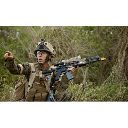 US Marine Corps machine gunner directs his fire team Canvas Art - Stocktrek Images (37 x 22) - Marine Corps Gunnery