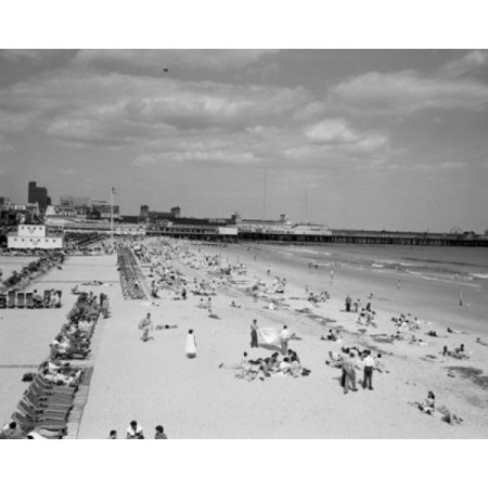 USA New Jersey Atlantic City people on beach Canvas Art -  (18 x