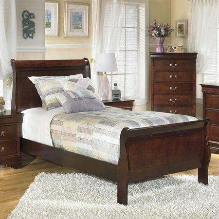 Signature Design by Ashley Furniture Alisdair Sleigh Bed in Warm Dark Brown ()