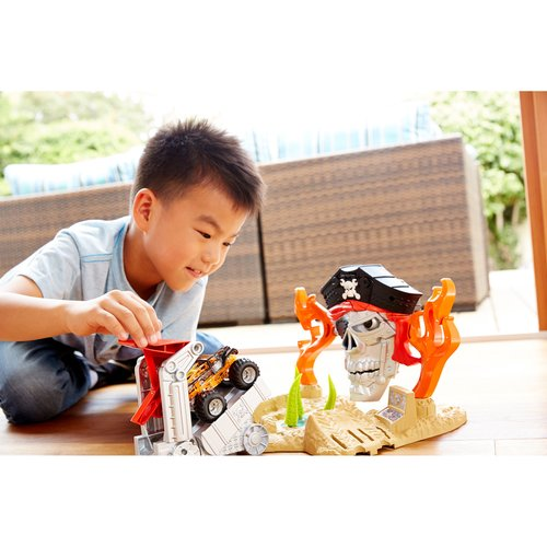 Hot Wheels Monster Jam Pirate Takedown Play Set Walmart Com Walmart Com