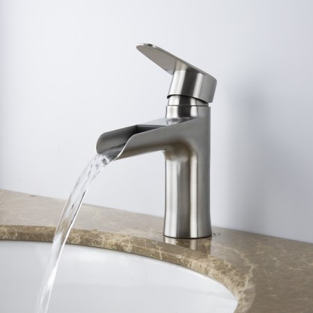 Single Handle Lavatory faucet in Brushed Nickel -
