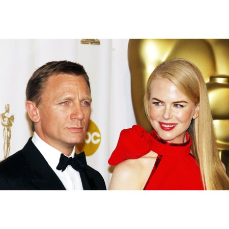 Daniel Craig Nicole Kidman In The Press Room For Oscars 79Th Annual Academy Awards - Press Room The Kodak Theatre Los Angeles Ca February 25 2007 Photo By Michael GermanaEverett Collection Celebrity - Academy Awards Theme