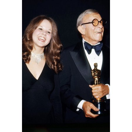 Linda Blair 24x36 Poster With George Burns Holding Oscar Academy Award Statue