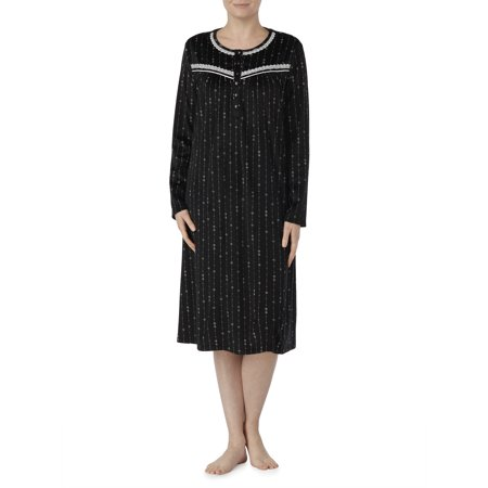 (Secret treasures women's and women's plus traditional long sleeve gown)