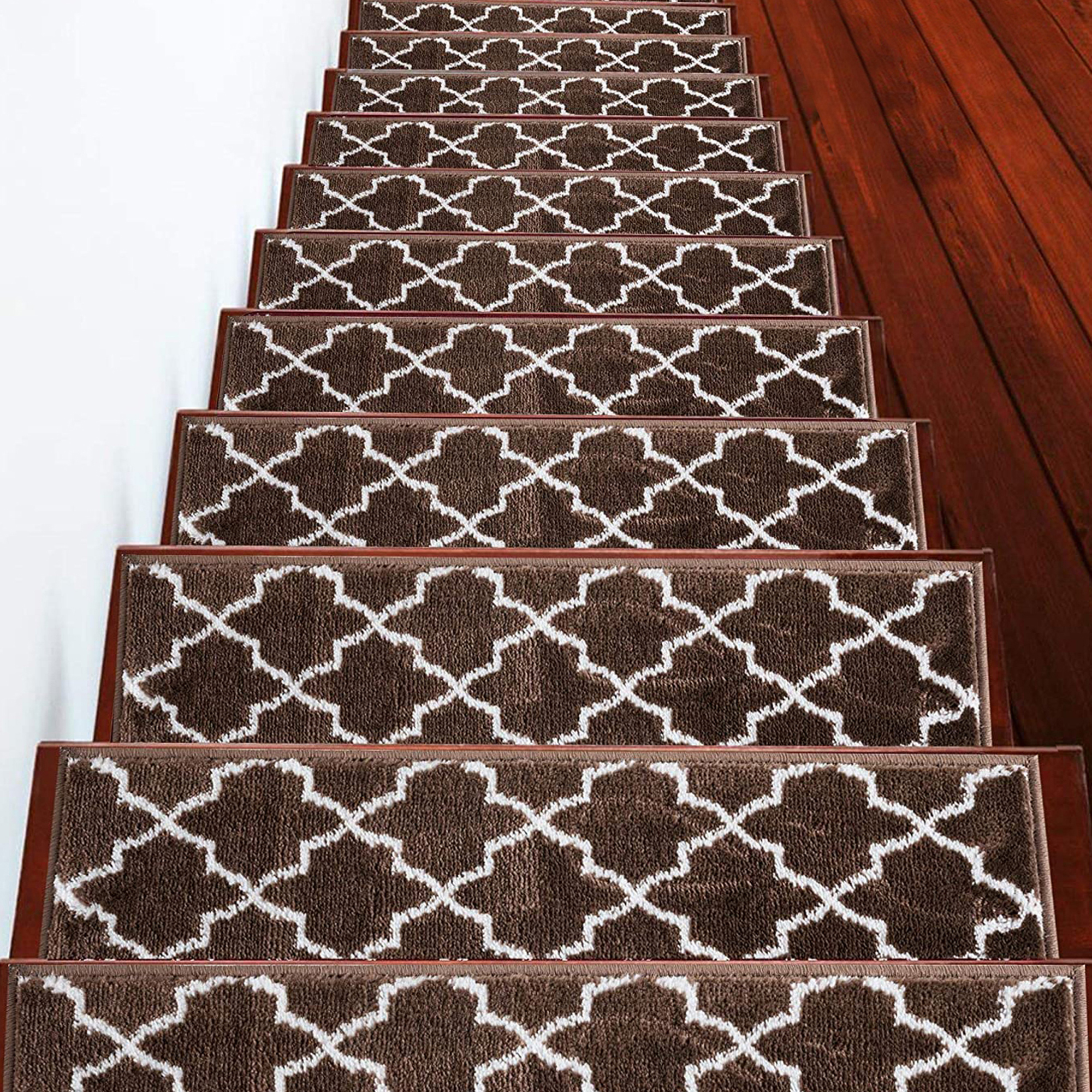 9 x 28 100/% Polypropylene Stair Treads Vintage Collection Contemporary Cozy Pack of 13   Tape Included Vibrant and Soft Stair Treads Red /& White