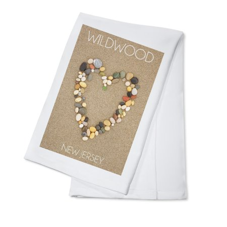 Wildwood, New Jersey - Stone Heart on Sand - Lantern Press Photography (100% Cotton Kitchen Towel)