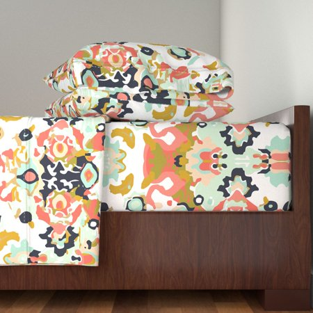 Coral Jubilee / Small Custom Geometric 100% Cotton Sateen Sheet Set by Roostery ()