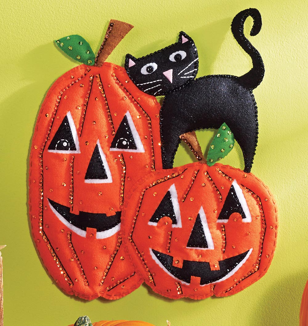 Bucilla Pumpkins Felt Wall Hanging Kit