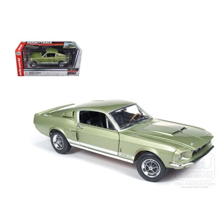 AUTO WORLD 1:18 1967 FORD MUSTANG SHELBY GT500