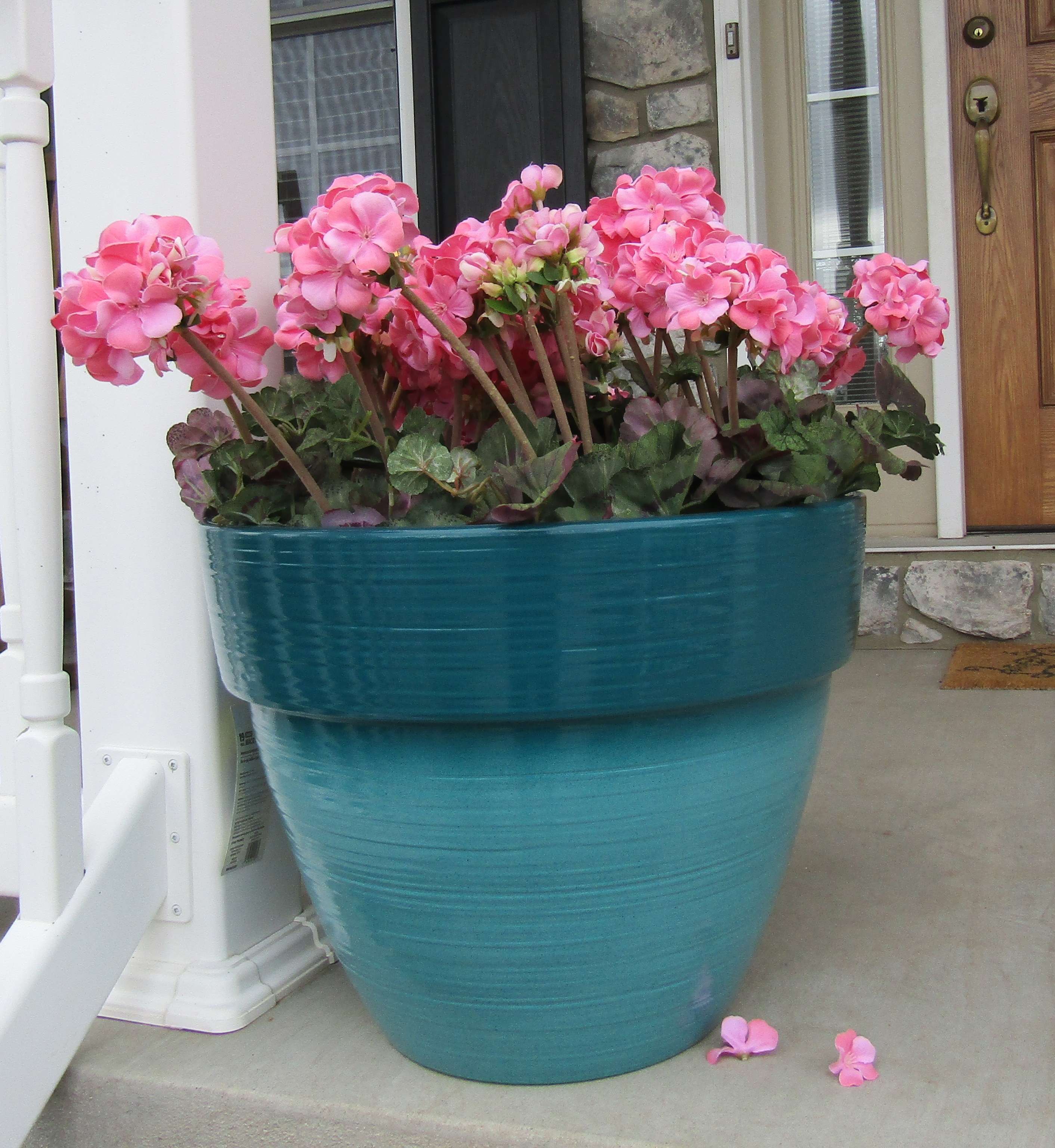 "Better Homes&gardens Dubai Decor 23"" Planter"