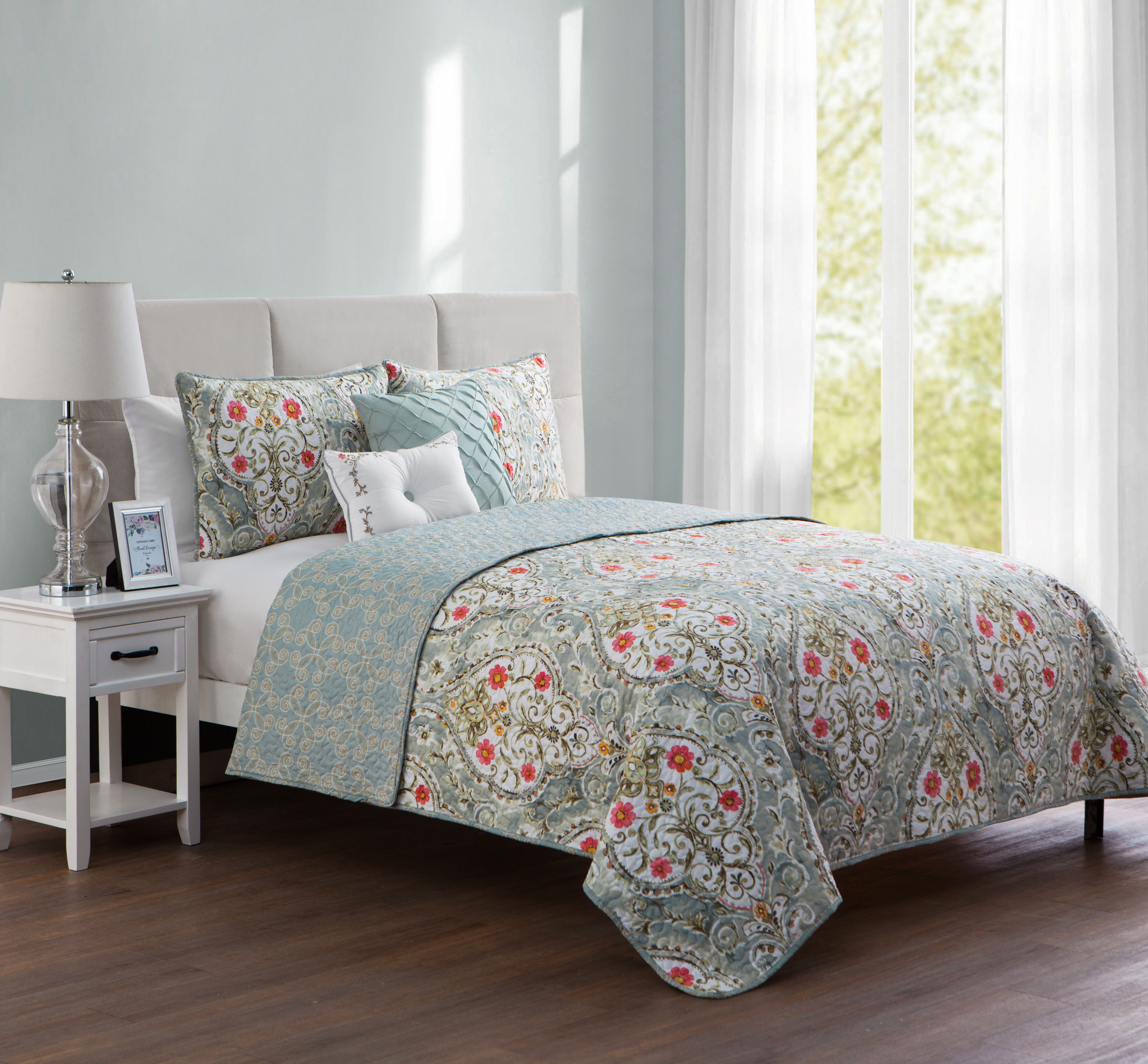 VCNY Home Blue Evangeline 4/5 Piece Reversible Bedding Quilt Set, Shams and Decorative Pillows Included