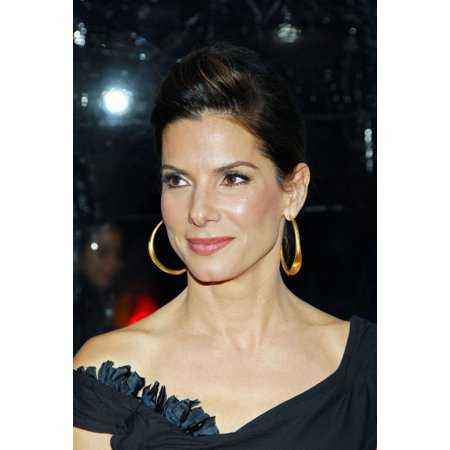 Sandra Bullock At Arrivals For The Blind Side Premiere Canvas Art     16 X 20