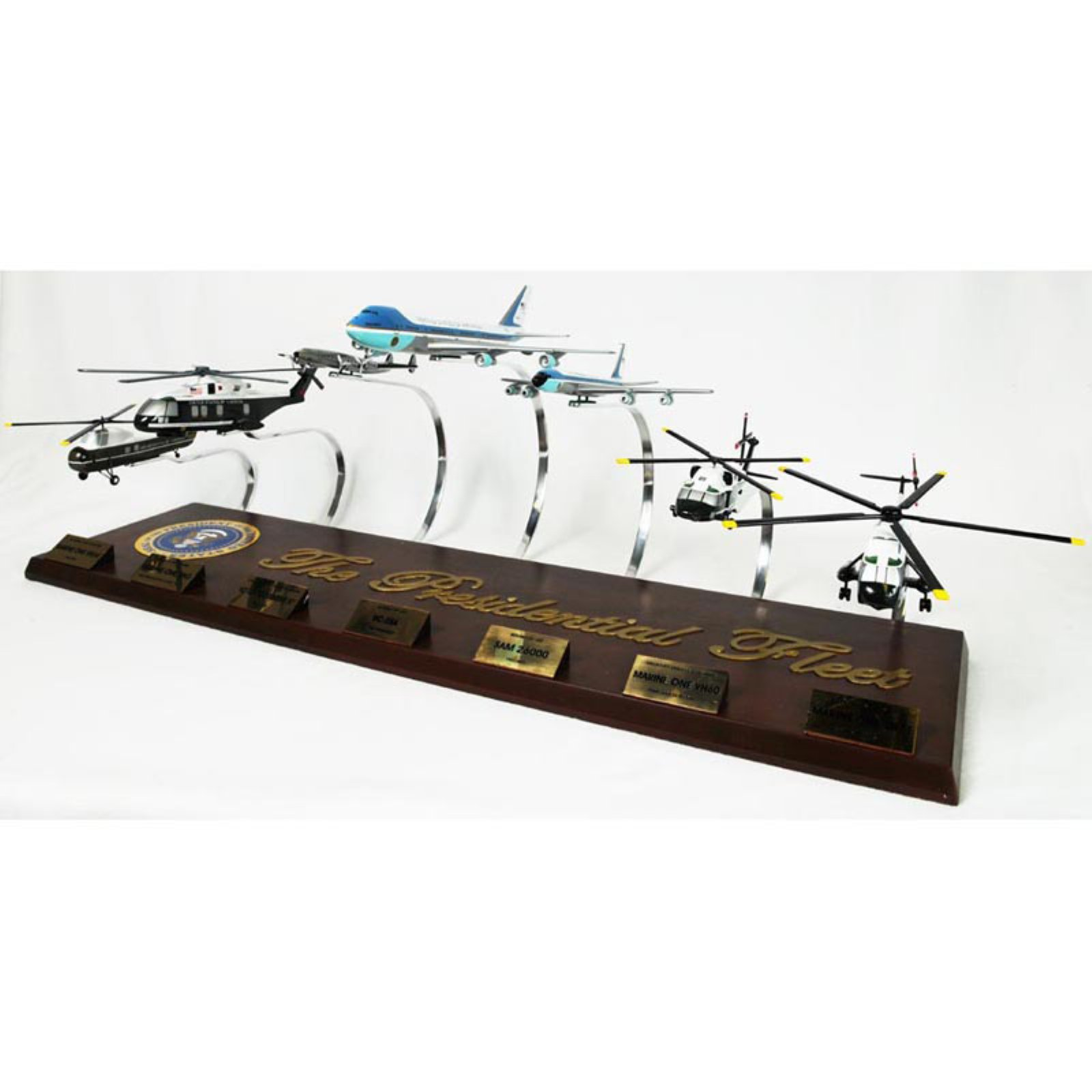 Daron Worldwide Presidential Collection Model Airplane by Toys and Models Corporation
