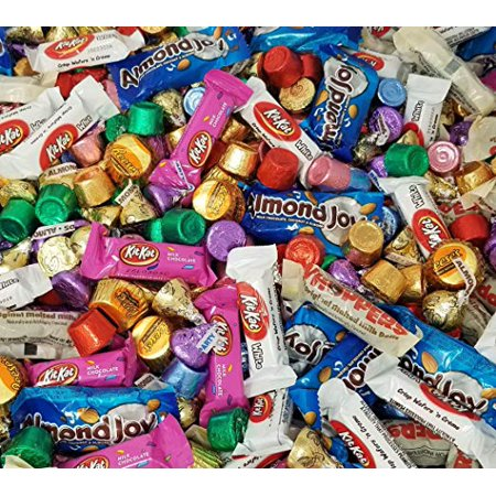 Christmas Candy Kit - Easter Candy Mix, Assorted Chocolate Candy - Hershey's Kisses, Kit Kat Miniatures, Rolo Caramel, Reese's Miniatures, Almond Joy Bar, Whoppers Candy , 4 Pounds Bulk Pack