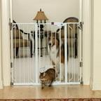 Carlson Extra Wide Walk Thru Gate With Pet Door 0930pw