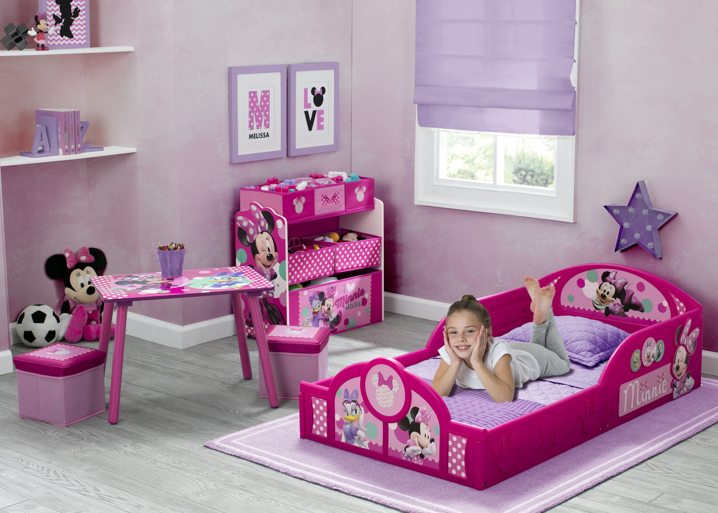 Disney Minnie Mouse 5 Piece Toddler Bedroom Set By Delta Children Includes Toddler Bed Table 2 Ottoman Set Multi Bin Toy Organizer Walmart Com Walmart Com