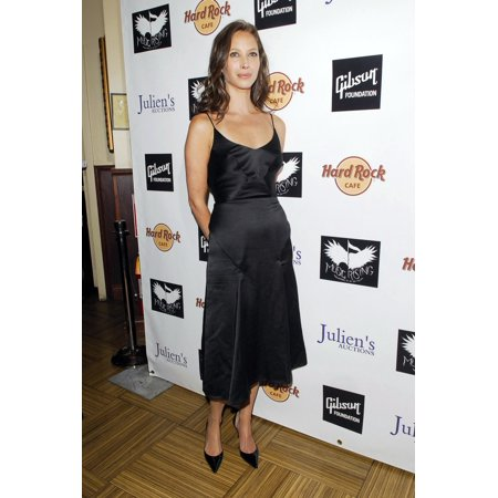 2001 Pin Hard Rock Cafe (Christy Turlington At Arrivals For Icons Of Music Auction Benefit For Music Rising The Hard Rock Cafe New York New York Ny April 21 2007 Photo By Ray TamarraEverett Collection Celebrity )