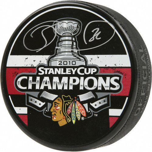 NHL - Dave Bolland Chicago Blackhawks Autographed 2010 Stanley Cup Champions Puck