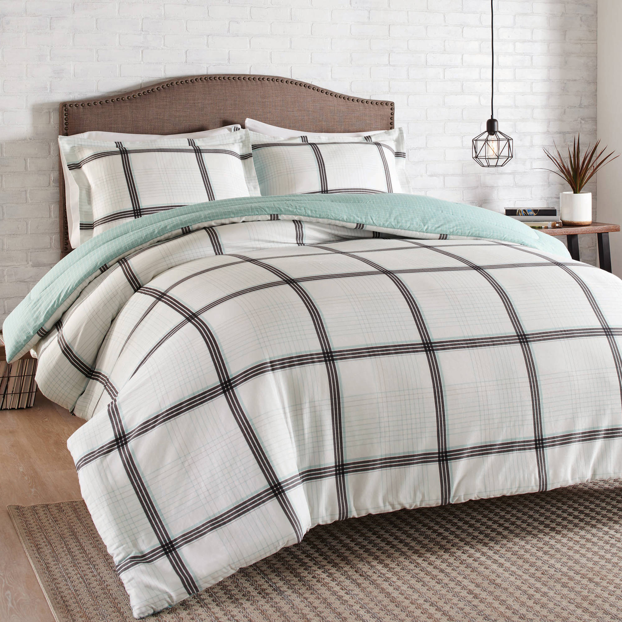 Better Homes and Gardens 3-Piece Modern Plaid Comforter Set by SUZHOU YUNKAI TEXTILE CO., LTD