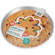 """Wilton 11.5""""x10.5"""" Giant Cookie Pan, Round 2105-6201"""