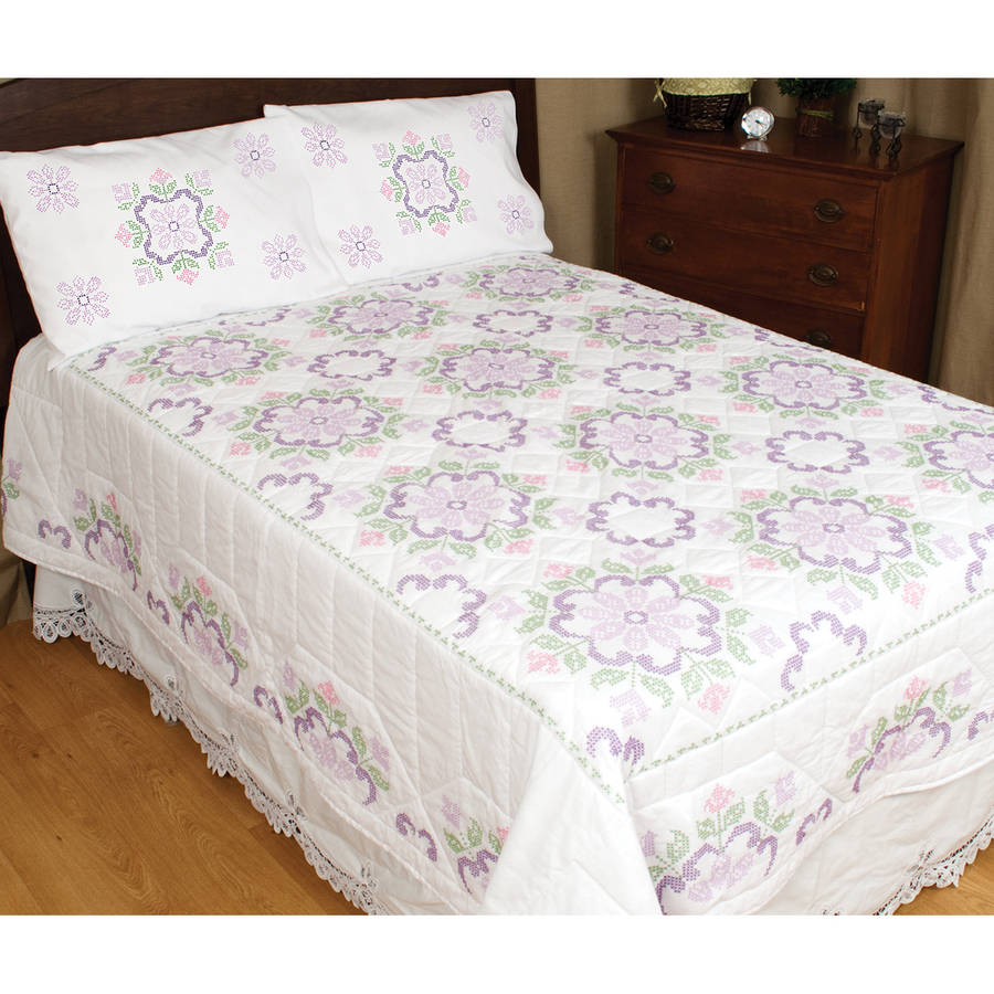 Stamped White Quilt Top, XX Colonial