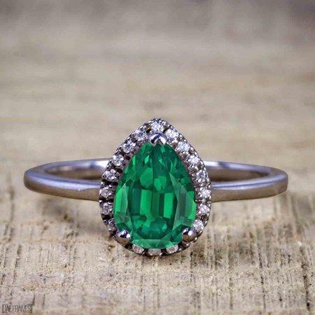 Affordable 2 Carat Pear cut Emerald and Diamond Antique Wedding Ring Set in Black Gold
