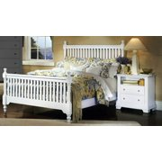 Slat Poster Bed w Nightstand in Snow White Finish (Full)