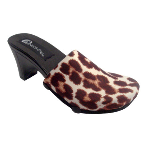 Womens Onesole Traveler Soft Step Leopard Clog
