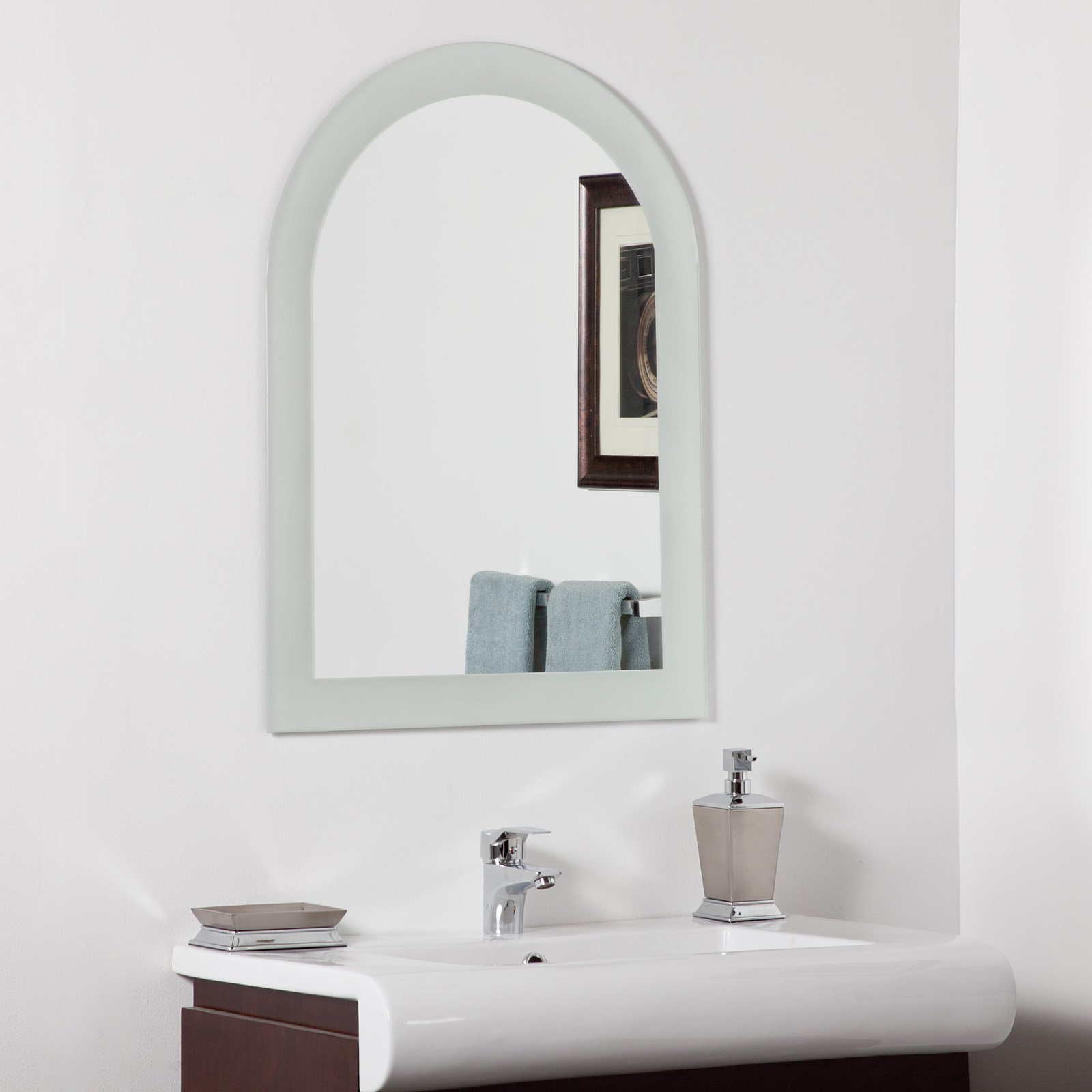 Decor Wonderland Serenity Arched Modern Bathroom Mirror - 23.6W x ...