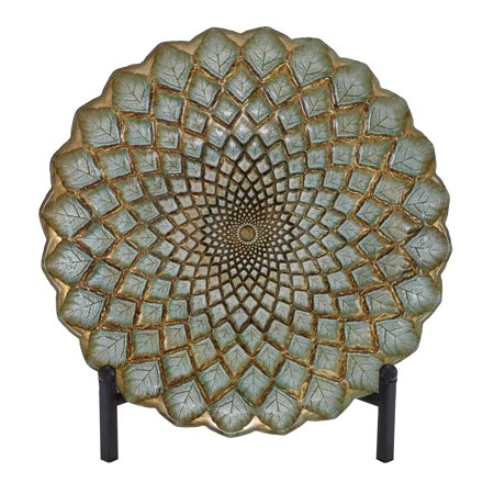 Decmode Traditional 16 Inch Glass Spiral Leaf Plate With Iron Stand, Green