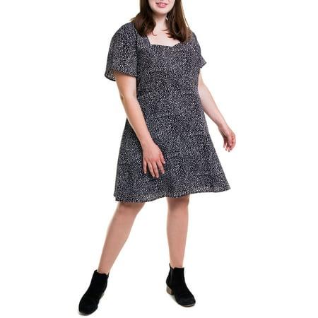 Heartbreak Juniors\' Plus Size Square Neckline Dress