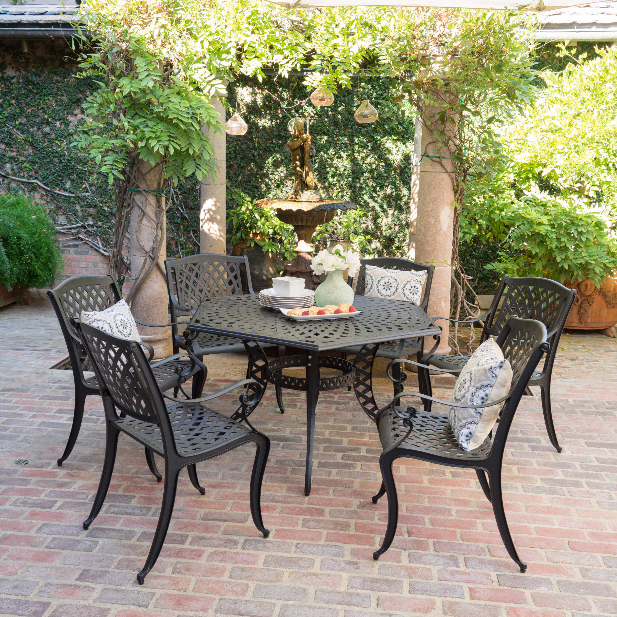 Dara Hansworth 7-piece Cast Alumininum Outdoor Dining Set, Black Sand