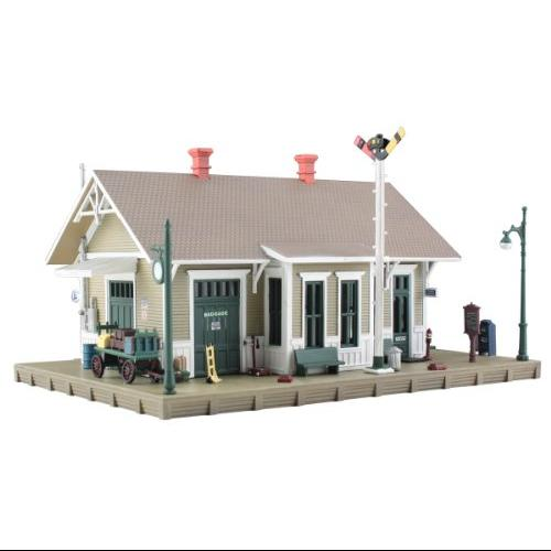 WOODLAND SCENICS BR5023 Built/Ready Danbury Depot HO WOOU5023 Multi-Colored